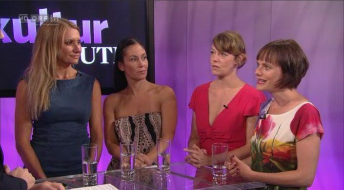 """Nina Blum Im Shirt """"Mein Blumenstrauss"""" In Kultur Heute, ORF III"""