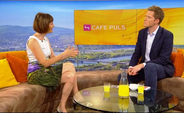 Nina Blum in fabrari im Frühstücksfernsehen Cafe Puls auf Puls 4 - 6.7.2015