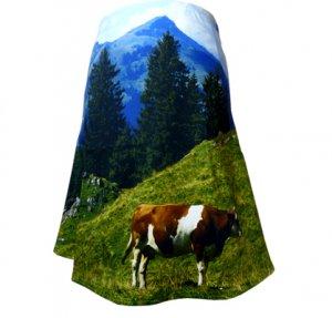Designer Fotoprint Rock Motiv Hahnenkammwiese mit einer Kuh