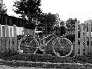 Foto: Fahrrad in schwarz/ weiss, ©fabrari