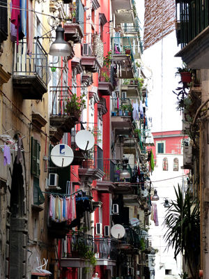Strasse in Neapels Altstadt
