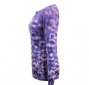 Shirt mit Lavendel -Motiv Seitlich
