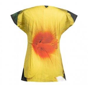Shirt mit gelber Hibiskusblüte